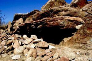 Desert rock shelter
